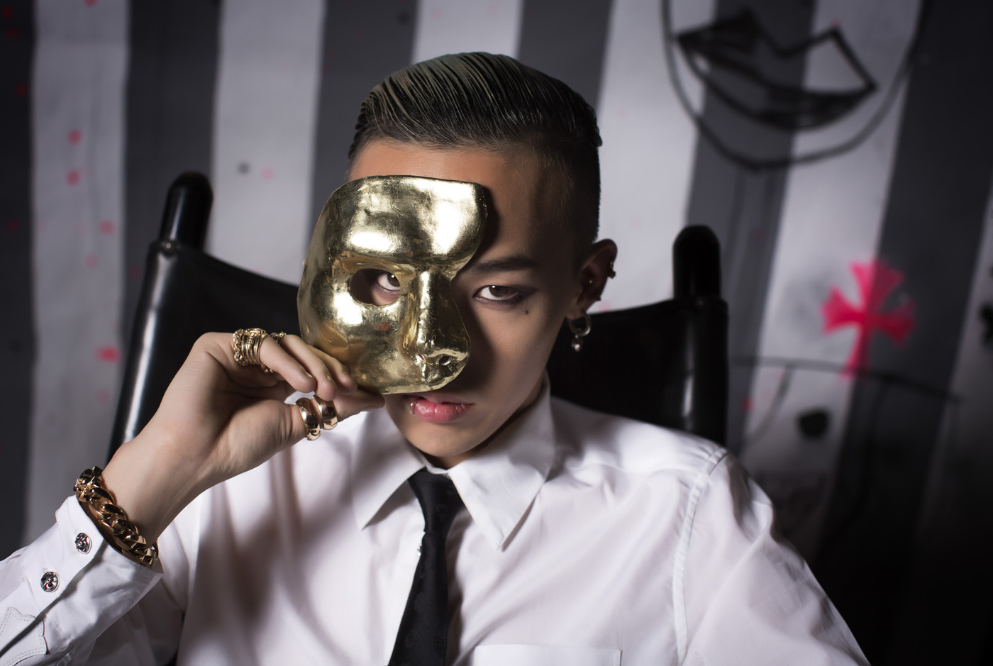 G-Dragon Gold Mask Hollywood, CA 2012